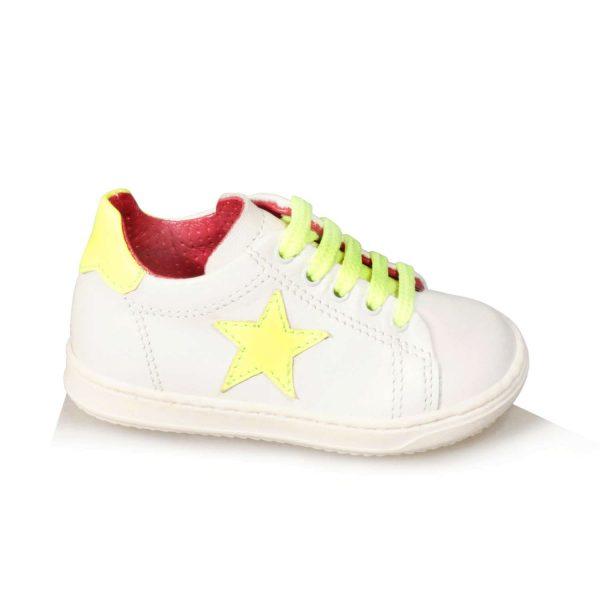 Sneakers da bimbo con stellina di pelle giallo fluo al lato