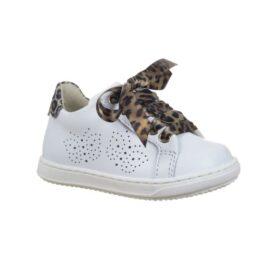 Sneaker bambina con laccio in tessuto leopardato